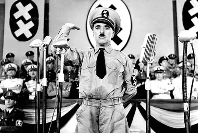 チャップリン『独裁者』のワンシーン画像